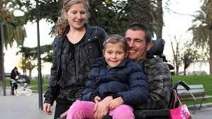Mikel Trueba y familia