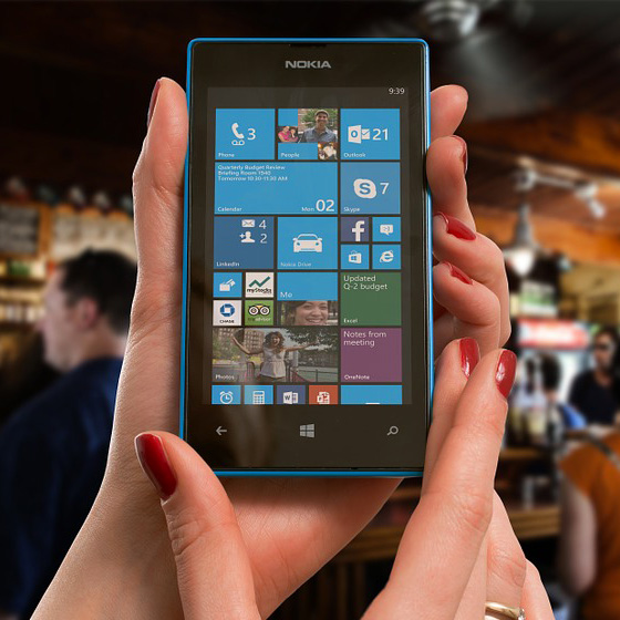 Foto de un móvil con aplicaciones