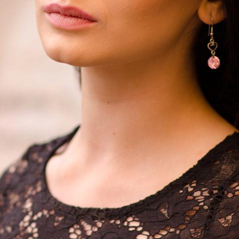 Imagen del cuello de una mujer