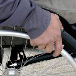 Foto de una silla de ruedas